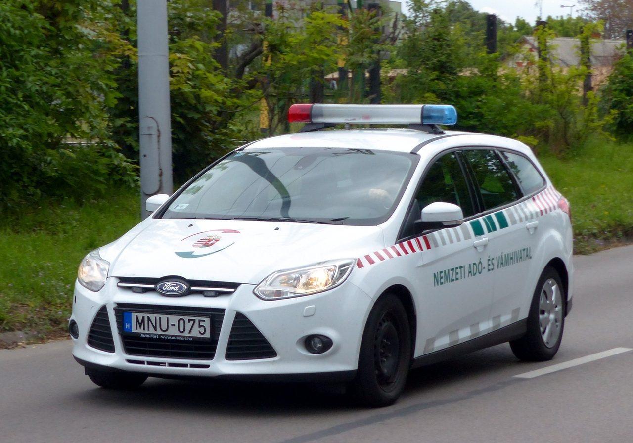 NAV autó