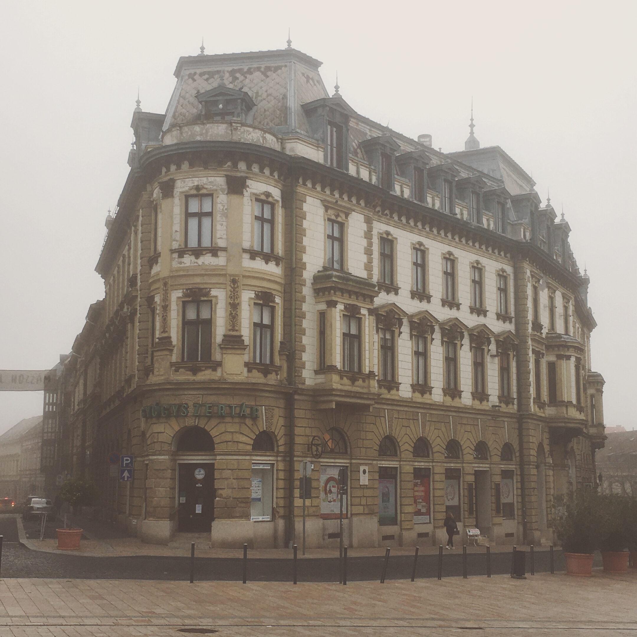 Patkányvárból lett palota, majd Pécs egyik ékköve a 137 éves épület